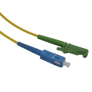 Patchcord światłowodowy jednomodowy E2000/APC-SC/UPC SM 9/125, simplex 1,5m, G.652D